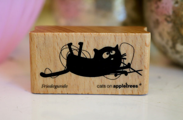 Stempel von Cats on Appletrees: Katze Friedegunde
